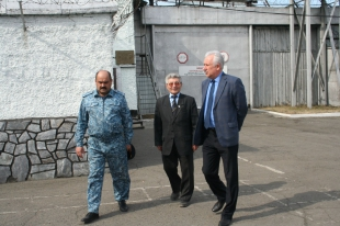 Altai Commissioner visited socially significant institutions of Biysk